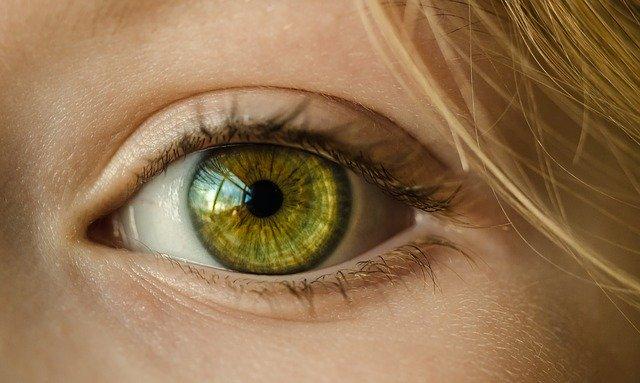 Comment déterminer votre œil dominant? (pourquoi cela est important)