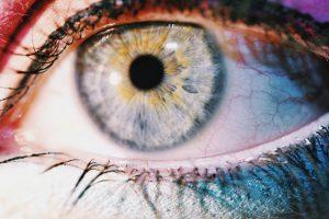 Les veines oculaire apparentes sont elles dangereuses ? Comment s'en débarrasser ?